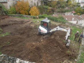 Un jardin toscan en construction dans la vallée du Lot