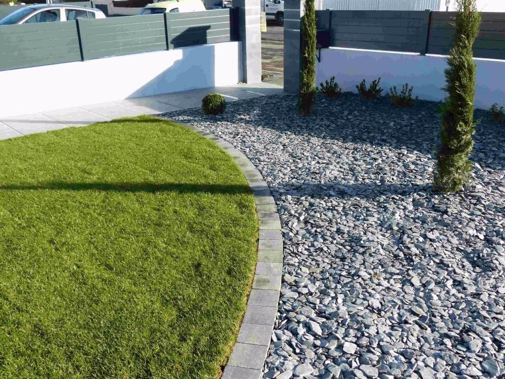 Jardin moderne et zen par FRED TOMA