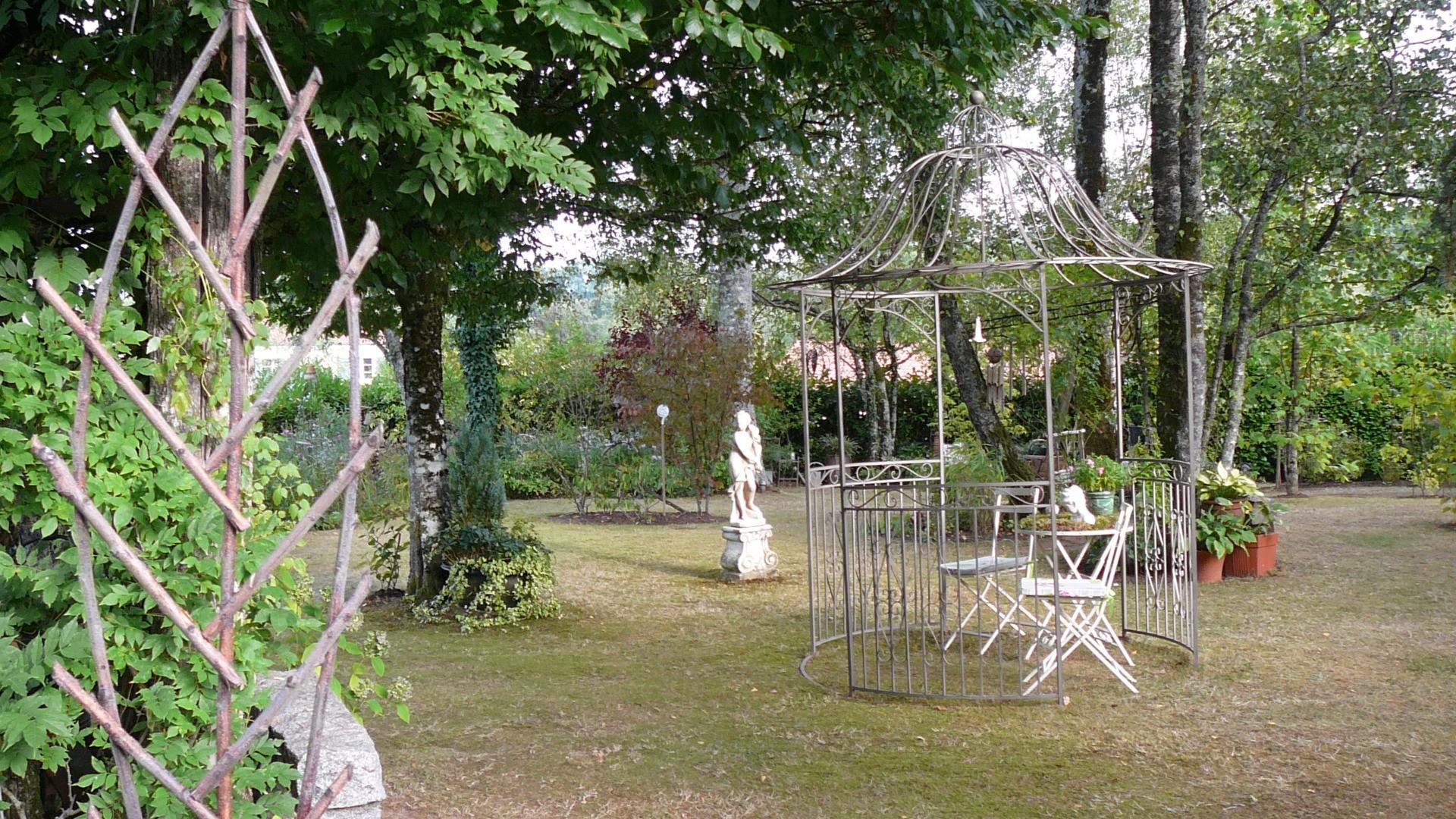le jardin de la for t beaux jardins et potagers. Black Bedroom Furniture Sets. Home Design Ideas