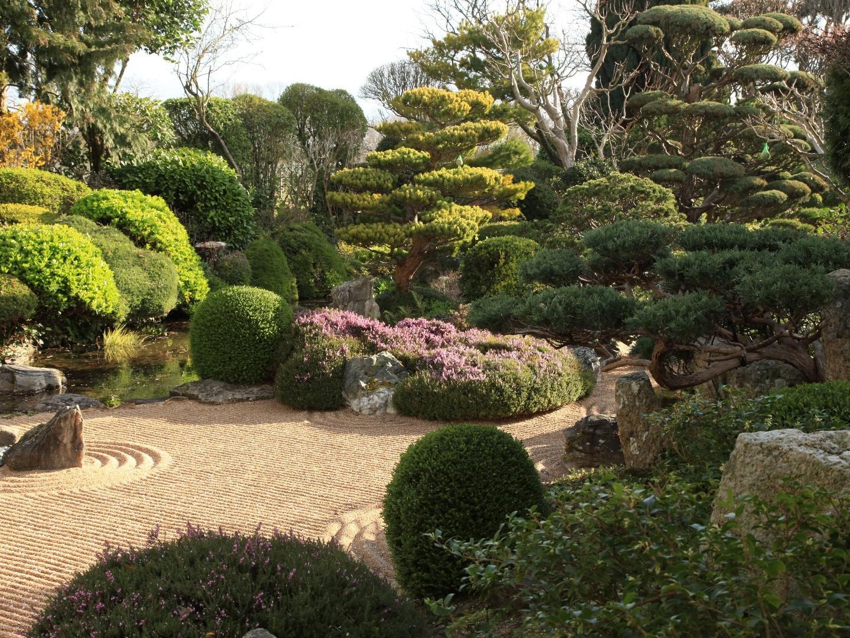 jardin zen d 39 erik borja beaux jardins et potagers. Black Bedroom Furniture Sets. Home Design Ideas