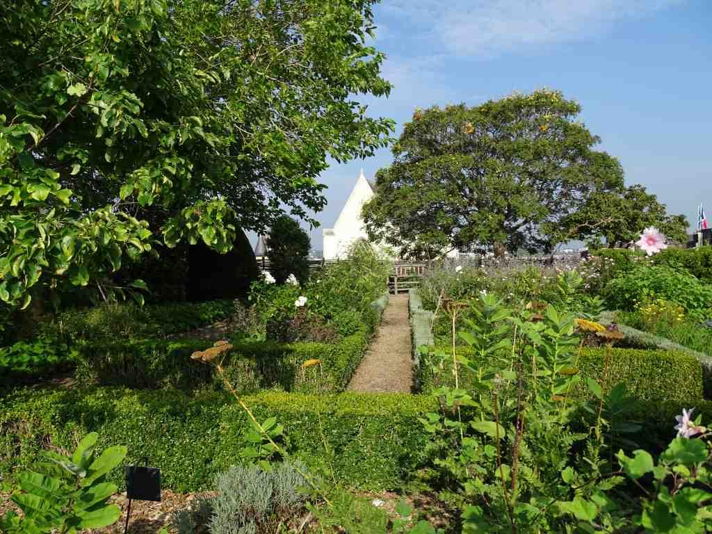 Jardin suspendu du ch teau d 39 angers beaux jardins et potagers - Jardin interieur du lac angers ...
