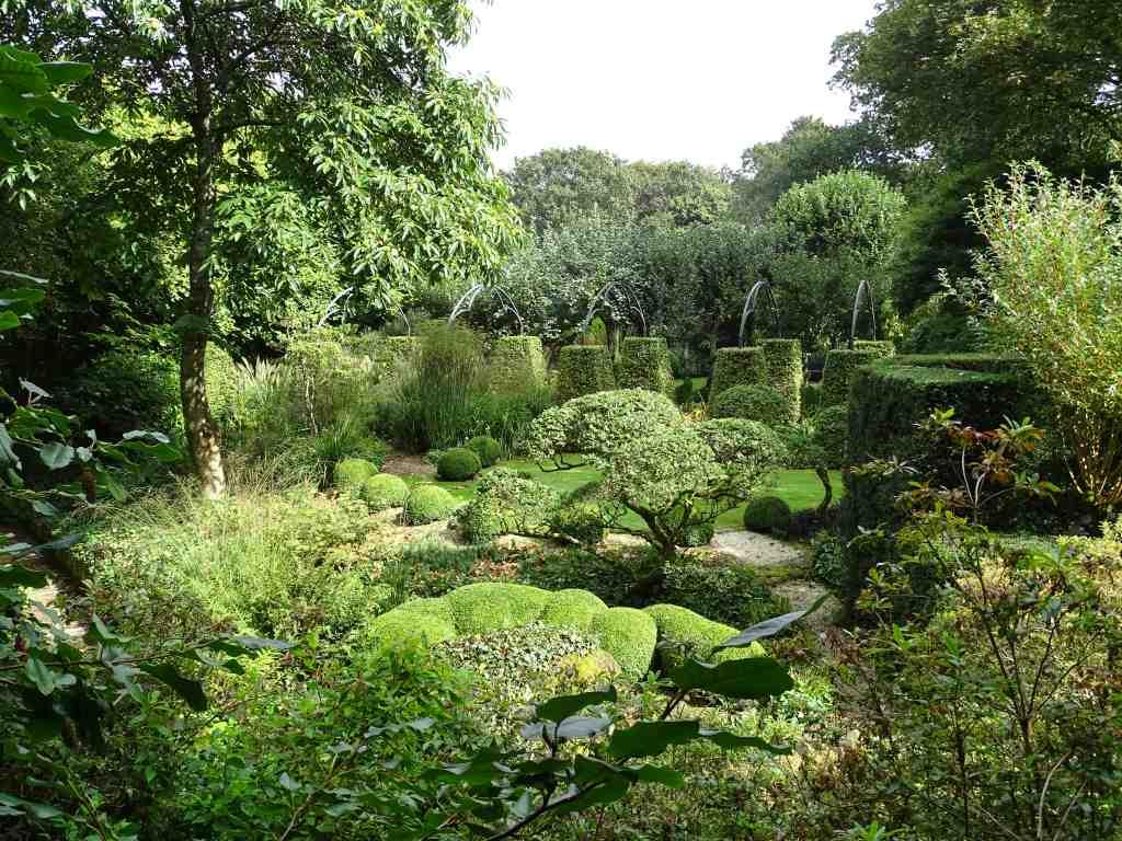 Le jardin du grand launay beaux jardins et potagers for Jardin feerique ploeuc