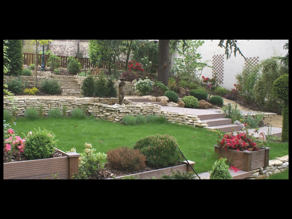 Mon jardin paysager frontignan beaux jardins et potagers - Jardin pente rocaille montpellier ...