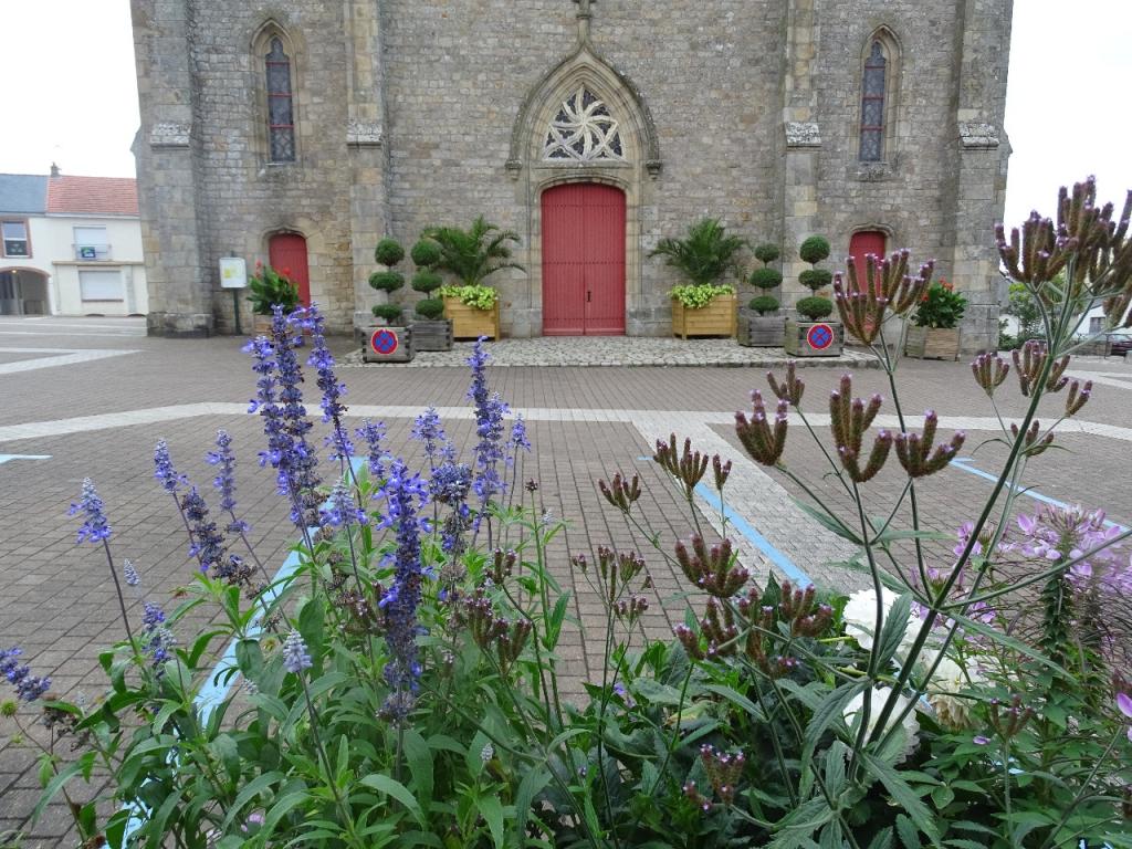 herblain le bourg et la maison des arts beaux jardins et potagers