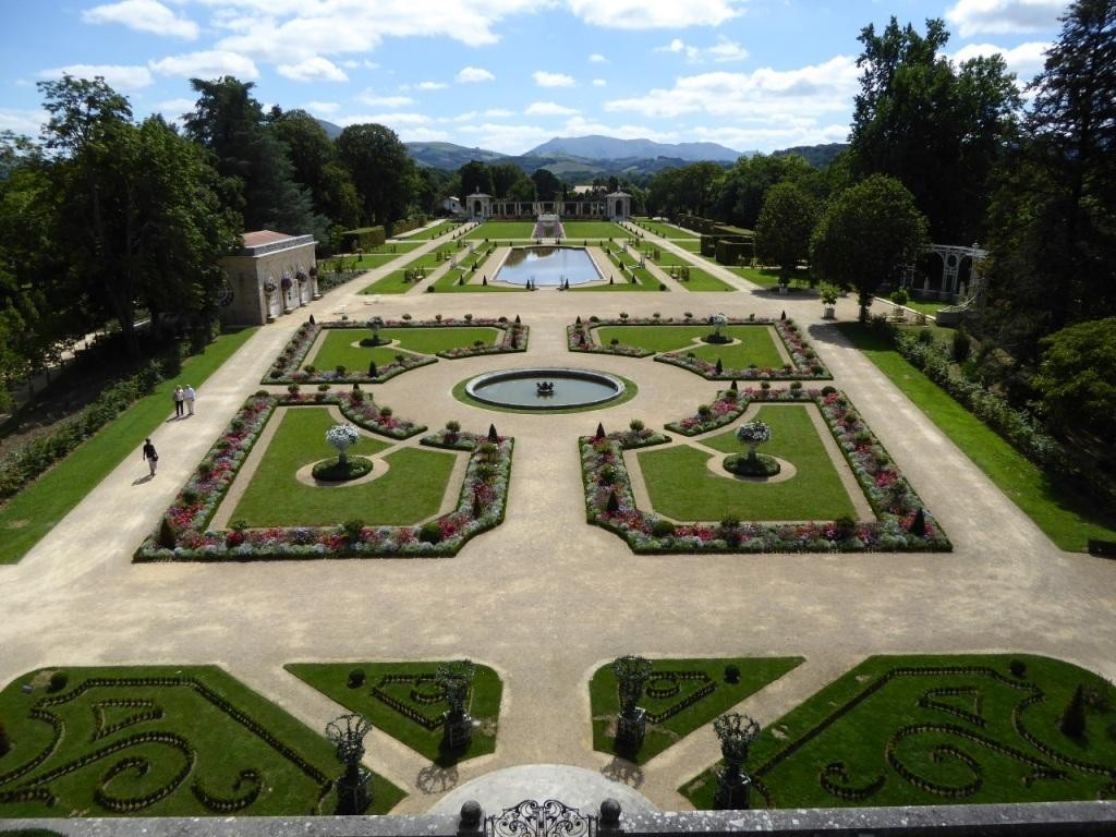 Les jardins d 39 arnaga beaux jardins et potagers Le jardin francais