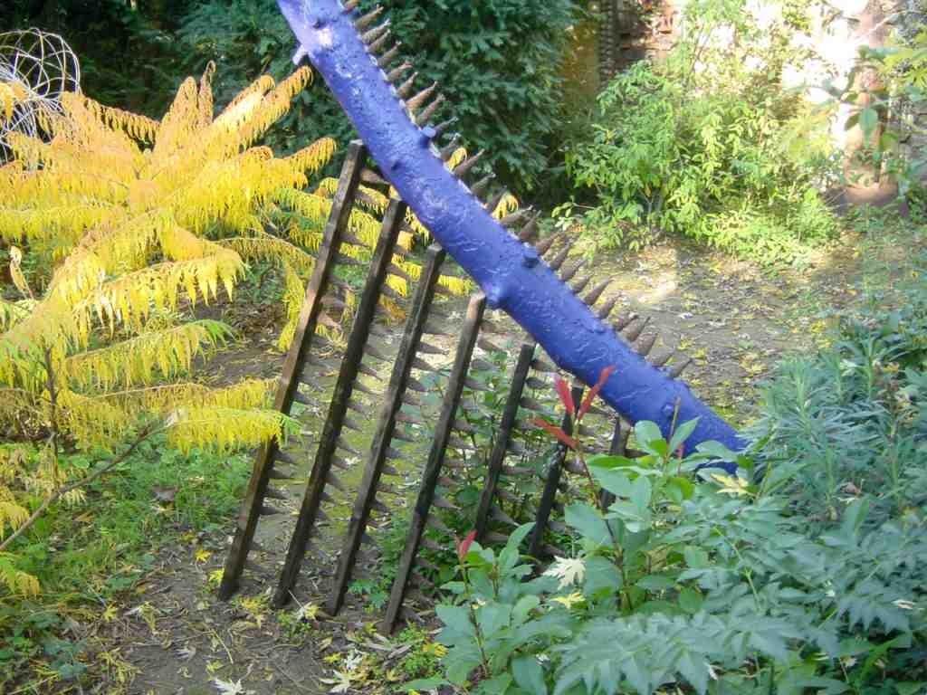 Jardin d 39 artiste au coeur du village beaux jardins et for Artistes de jardin